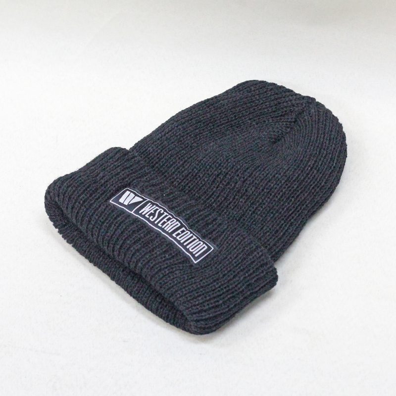 we w bar beanie black